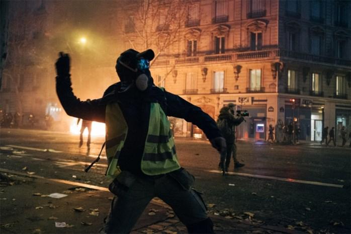 Linkse oppositie dient motie van wantrouwen tegen Franse regering in