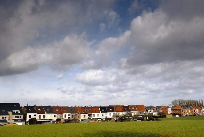 Vlaanderen heeft 13.000 km lintbebouwing, en het stopt niet