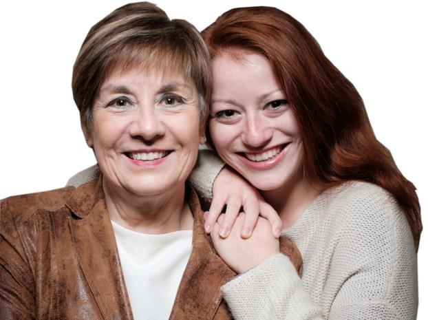 """Connie Neefs brengt samen met dochter Hannelore kerstsingle uit: """"Zingen zit duidelijk in haar genen"""""""
