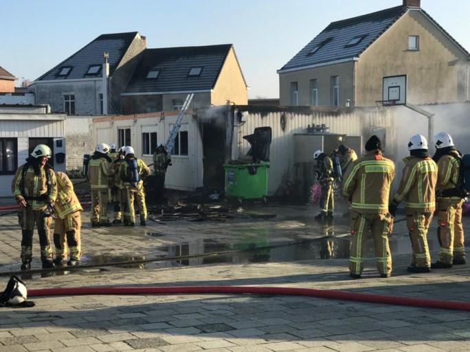 Sociale kruidenier 't Hofke vernield door brand