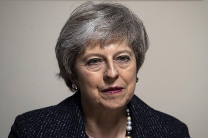 Brexit-chaos compleet: partijgenoten dienen motie van wantrouwen in tegen May