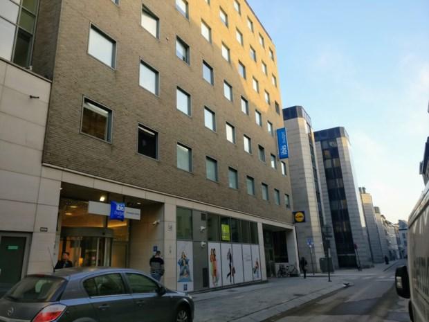 Rolstoelgebruiker vastgebonden en beroofd in Antwerps hotel
