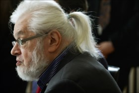 Jean-Pierre Van Rossem overleden: gewezen politicus en beursgoeroe werd 73