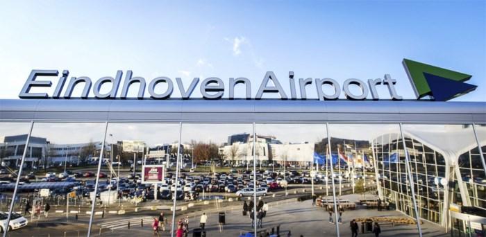 Eindhoven Airport dicht door mist: geen enkel vliegtuig kan landen of opstijgen