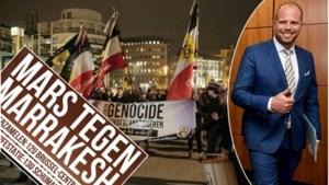 """Theo Francken spreekt steun uit voor Mars tegen Marrakesh: """"Ik deel die woede en frustratie, maar hou het netjes"""""""