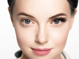 Lila in de lente en focus op de lippen: dit worden de beautytrends voor volgend jaar