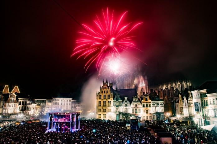 Mechelen schaft vuurwerk op feestdagen 11 en 21 juli af