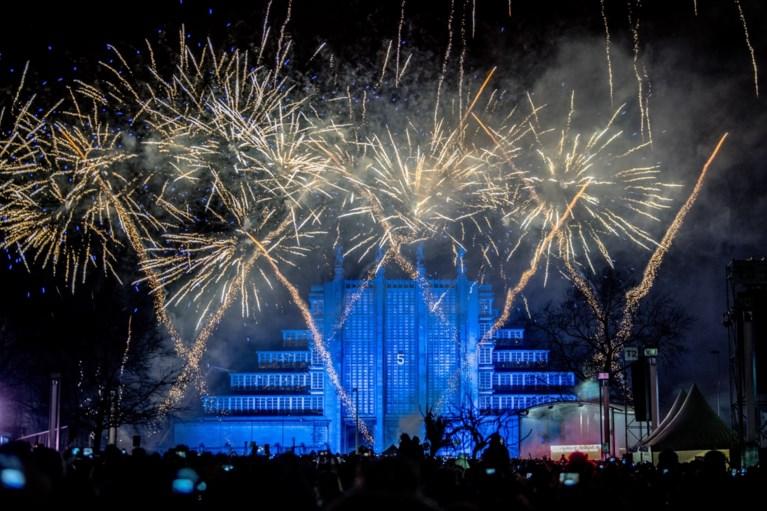 50.000 toeschouwers voor vuurwerk aan Atomium