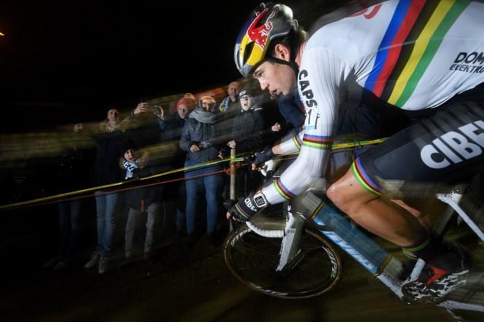 Wout van Aert rijdt in Frankrijk, ondanks twee topcrossen in eigen land