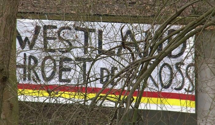 """Aangekondigd 'studentenprotest' blijkt ludieke actie te zijn: """"Westland hroet de cross"""""""