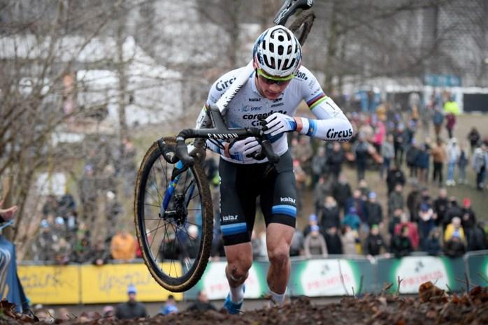"""Mathieu van der Poel: """"Het is belachelijk dat Wout van Aert meer startgeld krijgt, maar zo is het nu eenmaal"""""""