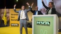 N-VA trapt verkiezingscampagne af met V-Dag in Antwerpse Zuiderkroon