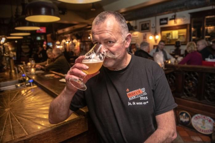 """Hans Bombeke: """"Bij de geboorte van mijn kinderen gaf ik geen suikerbonen, maar bier"""""""