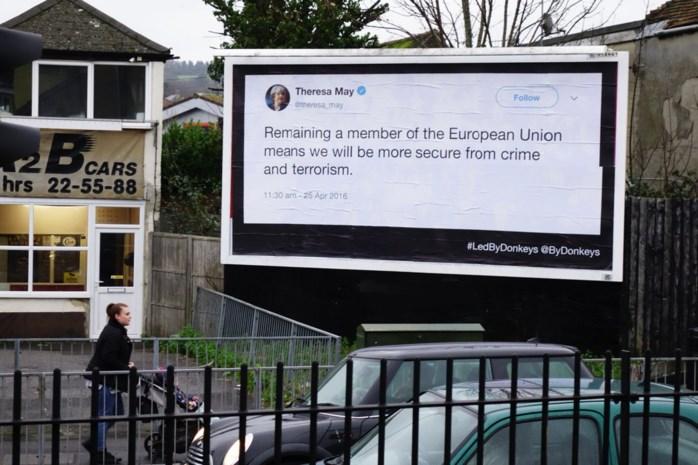 Postercampagne met oude tweets over brexit brengt Britse politici in verlegenheid