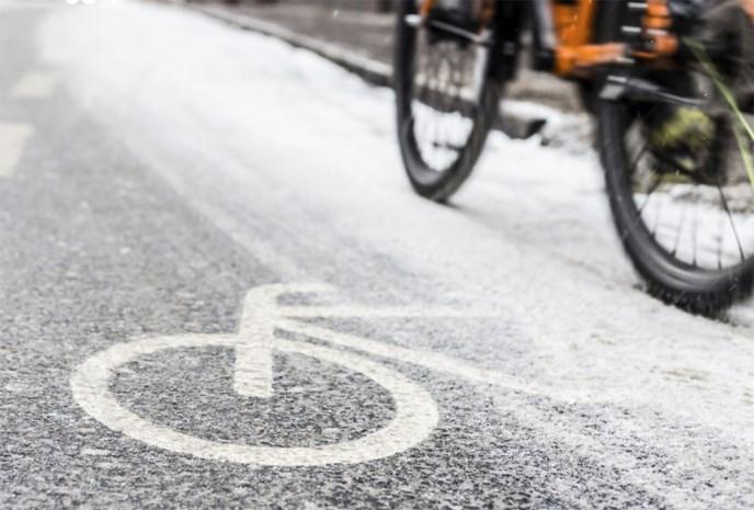 Politie waarschuwt voor spekgladde fietspaden