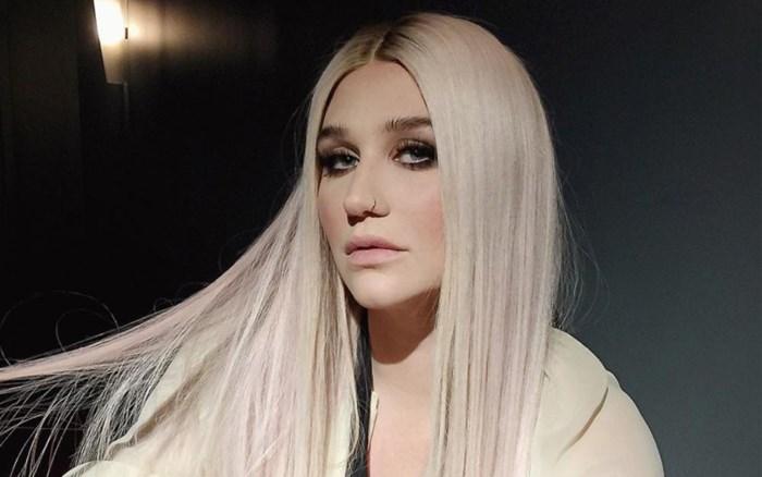 """Zangeres Kesha deelt selfie zonder make-up: """"Ik zie mezelf graag zoals ik ben"""""""