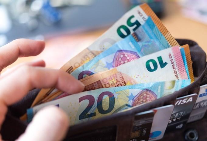 Meer dan 8.000 Belgen verdienen onbelast bij