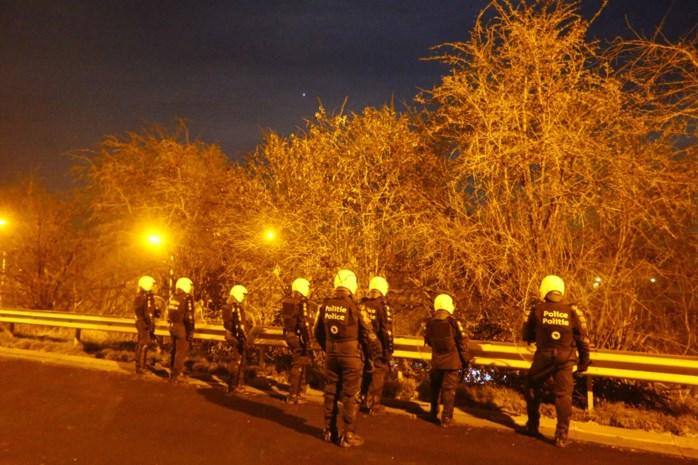 """Trieste balans na rellen bij STVV-Genk: """"De politie en burgemeester hebben dit meer dan een kwartier laten gebeuren"""""""