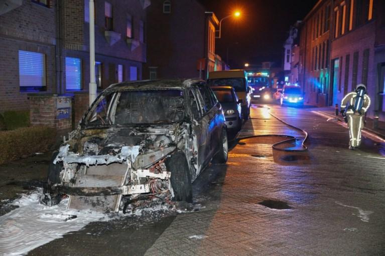 Auto uitgebrand in Aartselaar, aansteker gevonden naast voertuig
