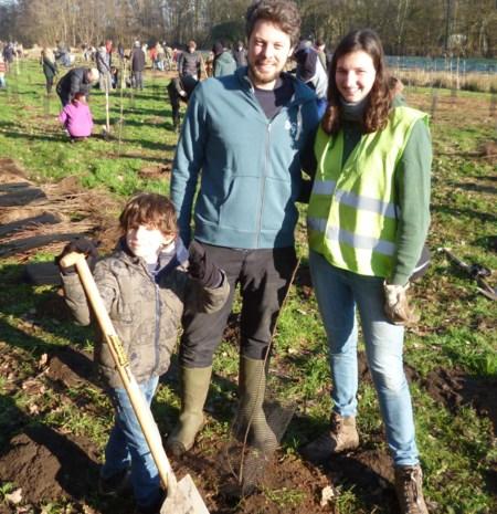 Drieduizend bomen aangeplant  met de hulp van jong en oud