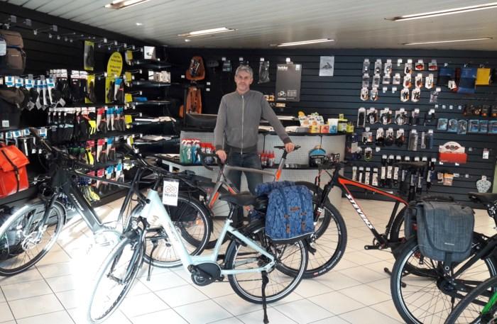 Landmeter volgt zijn passie en wordt fietsenverkoper