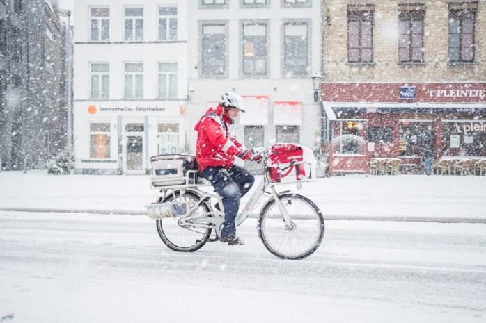 Zo blijf je overeind op de fiets in de sneeuw