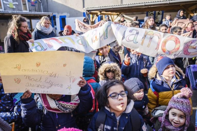 """""""Anna-Maria moet blijven"""": kinderen zingen boos liedje voor Armeens meisje"""