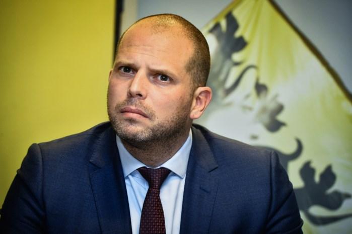 """Francken bereid tot hoorzitting over humanitaire visa: """"Laat het geen vileine scheldpartij worden"""""""