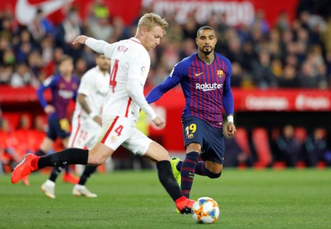 Sevilla verpest debuut Boateng bij Barcelona, dat op rand van bekeruitschakeling staat