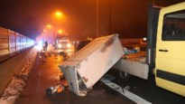 Twee ongevallen op snelwegen: wegenwerkers zwaargewond op E313, gekantelde vrachtwagen in Stabroek