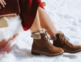 Watervlekken op je schoenen? Zo krijg je ze weer als nieuw