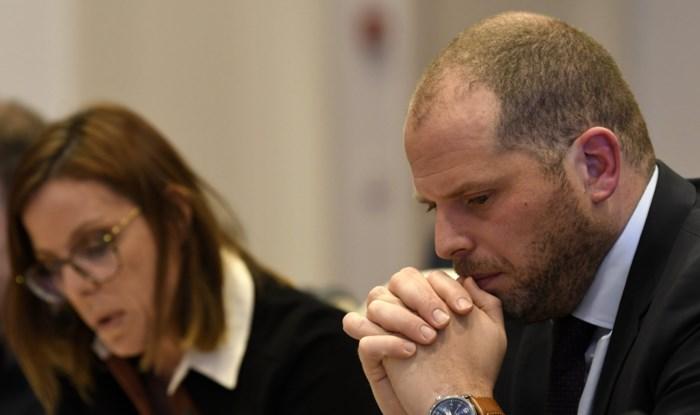Onderzoek humanitaire visa: Theo Francken blijft erbij dat er geen sprake was van voorkeursbehandeling