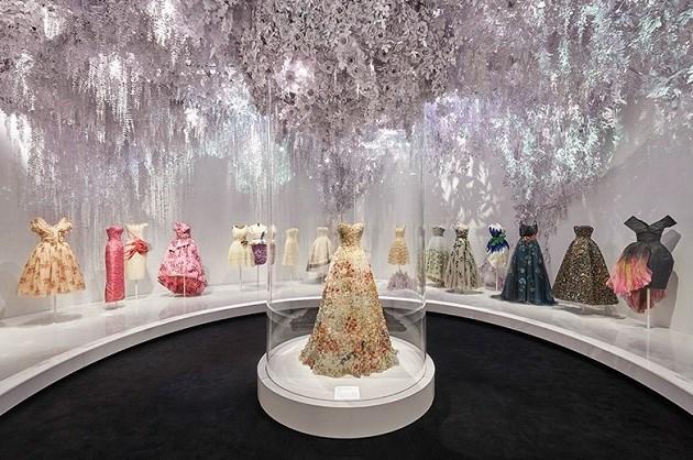 In Londen opent dit weekend de grote Christian Dior-expo de deuren