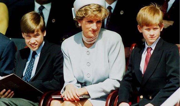 """Prins Harry tegen jongen die een ouder verloor: """"Ik heb hetzelfde meegemaakt"""""""