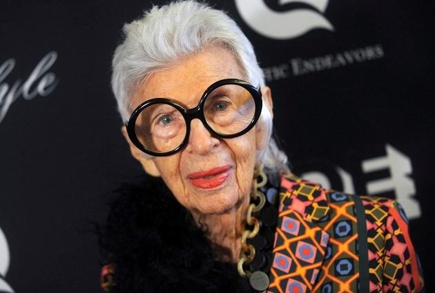 Mode-icoon Iris Apfel wordt op 97-jarige leeftijd model