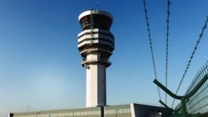 Luchtverkeersleiders dreigen met staking