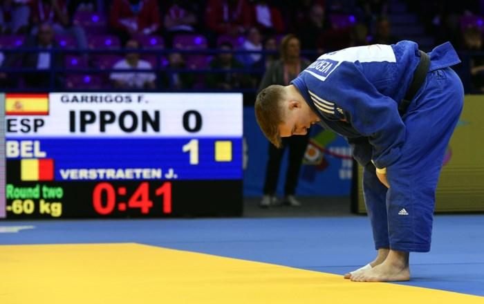 """Jorre Verstraeten geeft geblesseerd op in eerste kamp op Grand Slam judo: """"Heel jammer"""""""