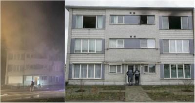 Moeder maakt wanhoopssprong om te ontsnappen aan brand: oorzaak is wellicht kortsluiting in oplader