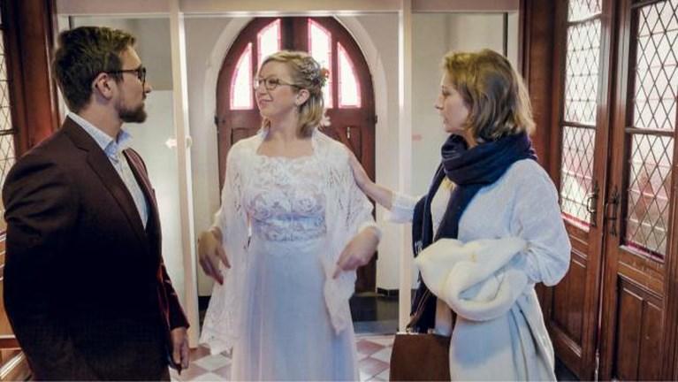 Primeur in 'Blind Getrouwd': deelnemer gaat op zijn knie met verlovingsring, nadat hij net in het huwelijksbootje gestapt is