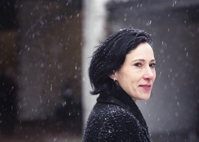 """Nieuw boek van Saskia de Coster over moderne vormen van ouderschap: """"De titel van 'mama' of 'papa' moet je vandaag verdienen"""""""