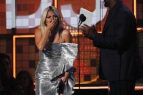 'This Is America' wint Grammy voor nummer van het jaar, Michelle Obama op podium geroepen