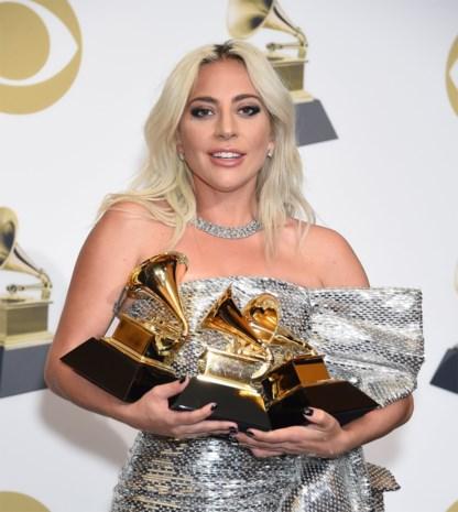 Letterlijk schitteren op de rode loper: Lady Gaga doet het met meer dan tweehonderd diamanten