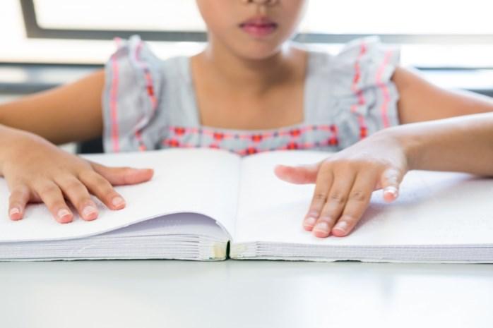 Extra ondersteuning voor dove en blinde leerlingen en leerlingen met beperking