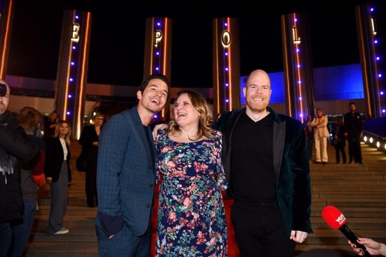Matteo Simoni maakt brokken bij aankomst op première 'Trio'