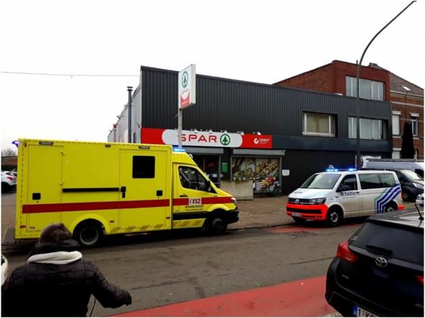 Politie schiet man dood die in Spar binnenloopt met mes en mensen aanvalt in Mechelen: afscheidsbrief gevonden