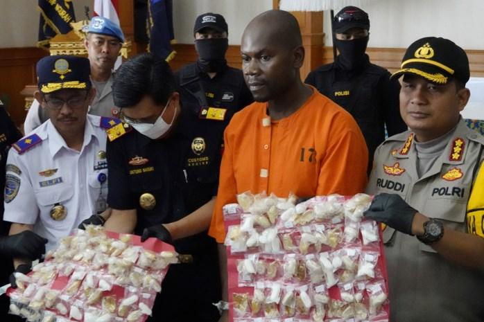 Tanzaniaan met kilo meth in maag opgepakt op Bali
