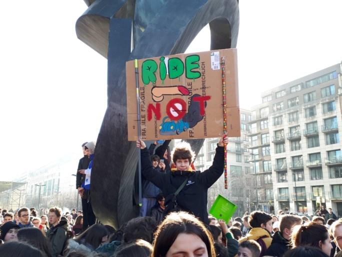 11.000 spijbelaars op zesde klimaatmars op rij, 16-jarige Zweedse pionier komt volgende week naar Brussel
