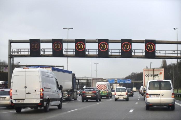 STANDPUNT. Ook naar Antwerpen maar 50 km per uur?