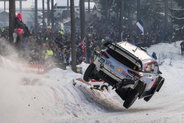 Ott Tanäk leidt, Thierry Neuville strijdt voor podium in Rally van Zweden