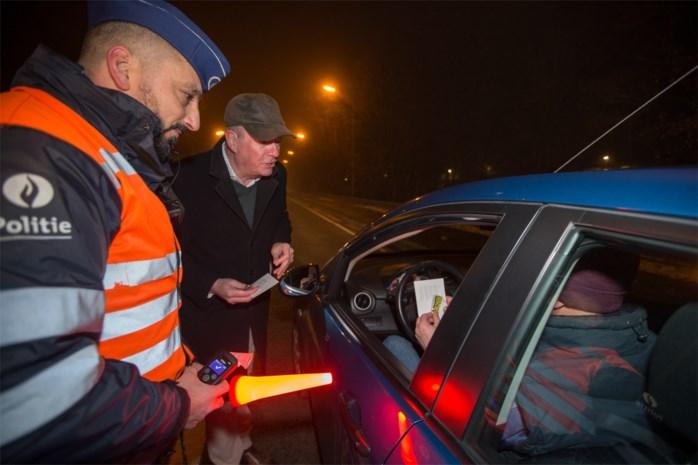 Zwalpende bestuurster wil wegrijden van politiecontrole: 2,9 promille alcohol in bloed